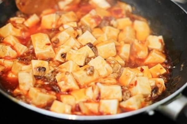 Cách làm món đậu phụ Tứ Xuyên cay nồng đưa cơm