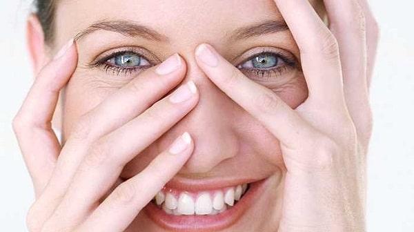 Cách Chăm Sóc 'Chuẩn Không Cần Chỉnh' Cho Mắt Cận Thị